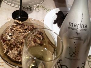 Sparkling muscatal wine. Marina Espumante. Alicante.