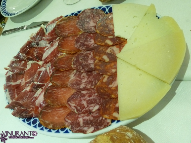 Starter. 'Assorted Iberian cold cuts.