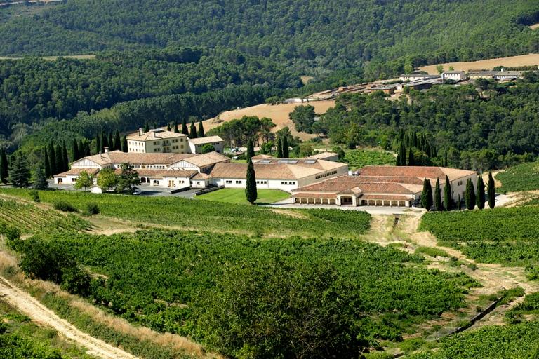 Señorio del Sarria winery. Puente la Reina, Spain. 2006.