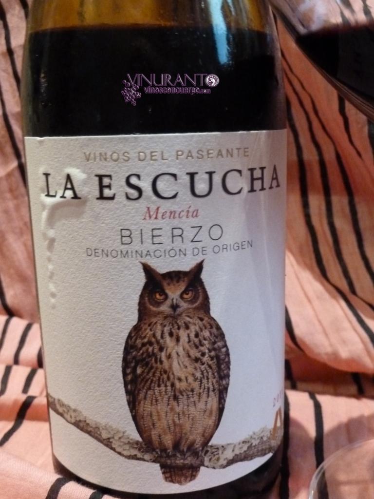 La Escucha's label.