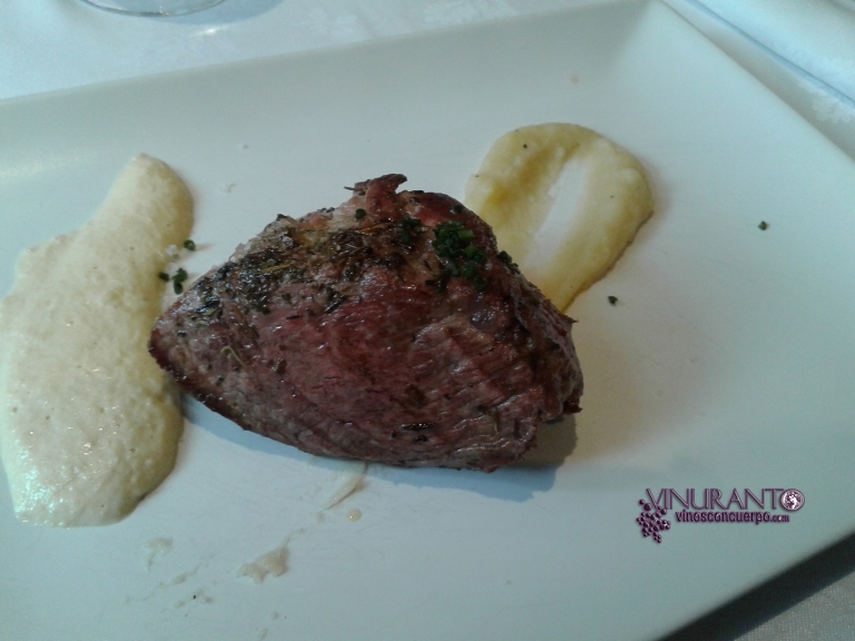 Shoulder of iberain pork. Torreblanca Restaurant (Guadarrama, Madrid-Spain).